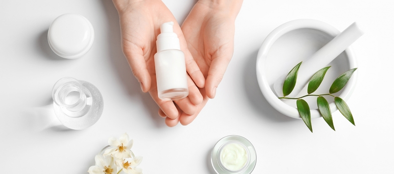 Diretora da YUZI detalha na Private Label Latin America processo para lançamento de produto cosmético de MP